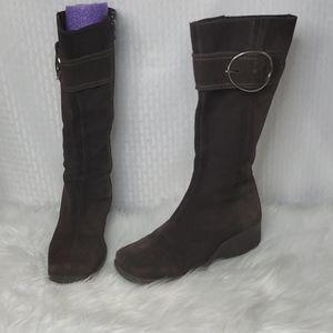 La Canadienne waterproof suede boots size 6.5